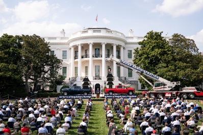 White House Dereg 3